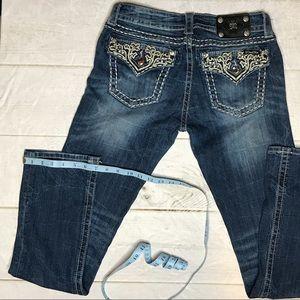 Miss Me jeans. SZ 29L x 33L. Straight Leg.